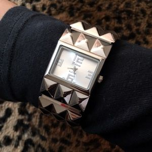 🦄 Watch cuff bracelet